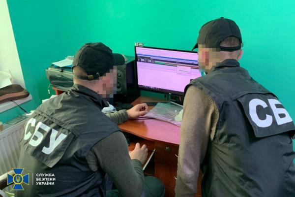指挥着10万多台僵尸机器人网络的黑客被乌克兰警方抓获